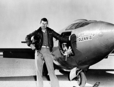 Capt. Charles E. Yeager (shown standing next to the Air Force's Bell-built X-1 supersonic research aircraft) became the first man to fly faster than the speed of sound in level flight on October 14, 1947. // United States Air Force Archive // P-20121013-00019 // Usage for editorial use only // Please go to www.redbullcontentpool.com for further information. //
